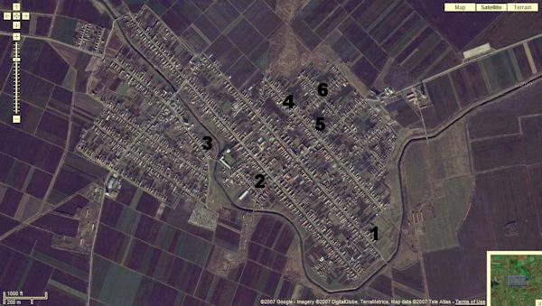 Vue par satellite de Schowe (Ravno Selo) et localisation des domiciles des familles Finitzer en 1944.